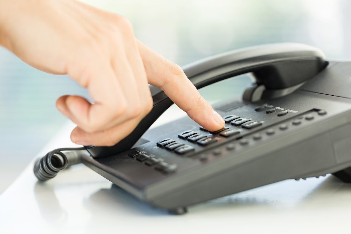 7 cold calling tips to quickly close sales brian tracy